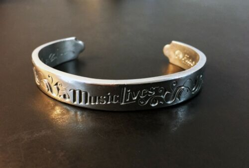 Limited Edition Collectible 2005 signed Paul McCartney Bracelet