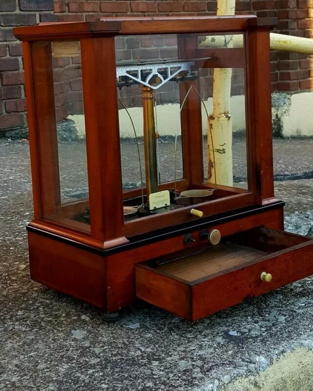 Christian Becker Analytical Balance No.8A Antique Scale Mahogany Case