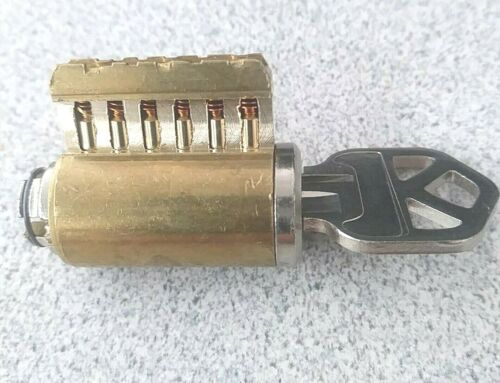 Cutaway Lock Cylinder For Locksport Practice and Training. 6 Pin Kwikset Keyway