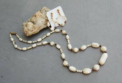 Mother-of-Pearl & Garnet Bead Necklace &  Pierced Hoop Earring Set Gold Tone 20