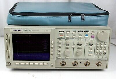 Tektronix Tds784a Digital Oscilloscope Power Tested For Parts Or Repair As Is