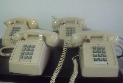 Lot Of 4 Cortelco Analog Desk Telephone Itt-2500-57md-ash Wmsg Light