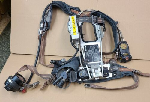 Scott 4.5 SCBA Harness + Air-Pak Plus with E-Z Flo Regulator + Air Supply Gauge
