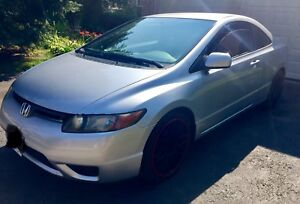2006 Honda Civic Coupe 5Speed 18Inch Rims 7inch Tablet—$3500