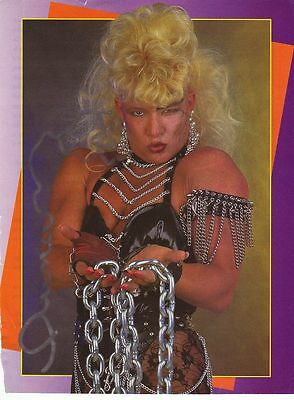 WWE WWF LUNA VACHON SEXY AUTOGRAPHED HAND SIGNED 8X10 PHOTO WRESTLING PICTURE