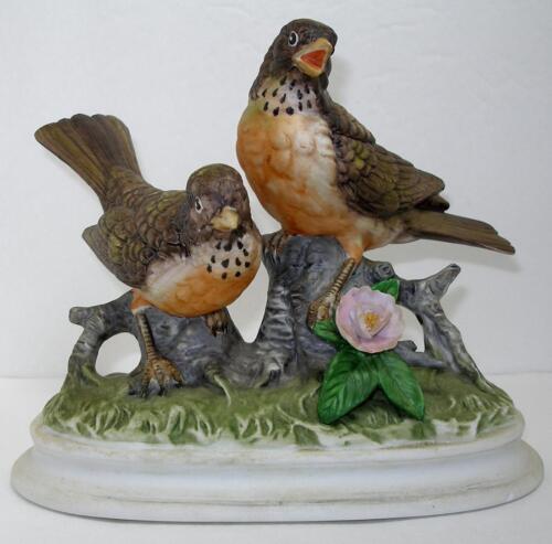 Vintage Robin figurine TAE-382