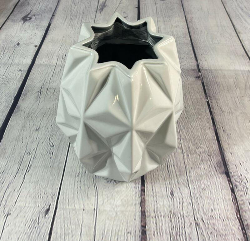 2021 Disney Parks Epcot Spaceship Earth Collection Ceramic Vase Decor Crock