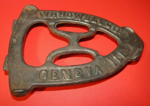 VINTAGE CAST IRON W.H.HOWELL, GENEVA, ILLINOIS TRIVET/SAD IRON BASE-LOOK !!