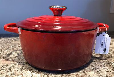 DISNEY LE CREUSET MICKEY MOUSE DUTCH OVEN NEW #24, 4.5 Quart Round Cerise Red