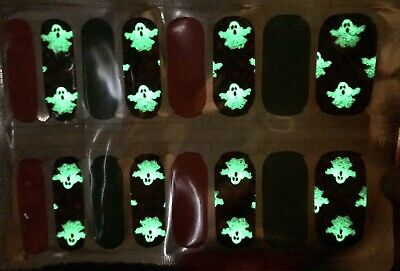 Color Nail Polish Strips, 16ct. BOO GOST AND ROSES. GLOW IN THE DARK