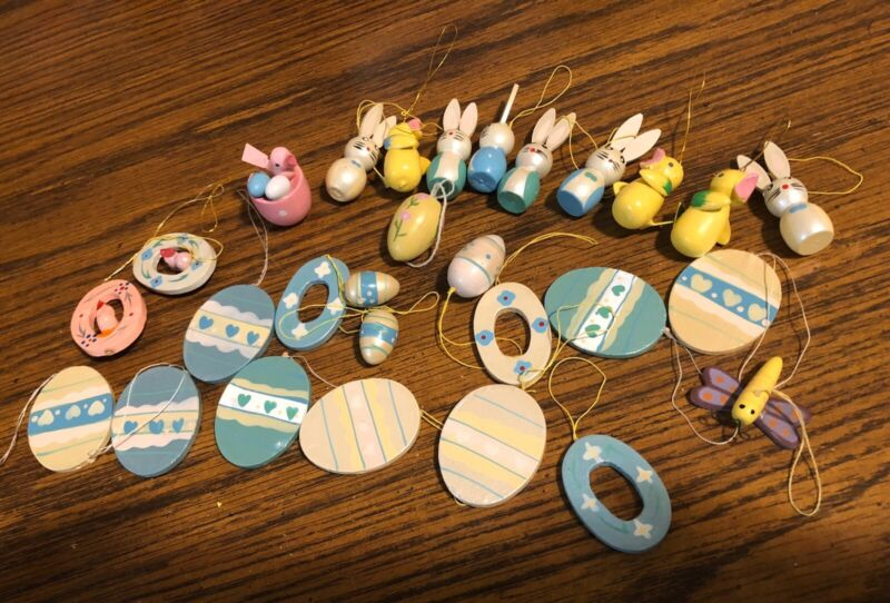 VINTAGE EASTER WOOD HANGING ORNAMENTS FOR TREE! LOT OF 28