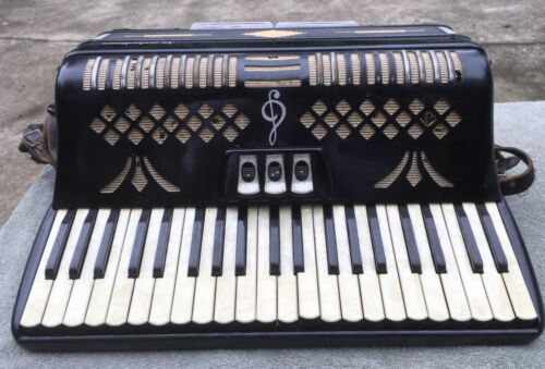 Vintage Italian La Melodiosa Pezzolo Mother of Pearl Accordion