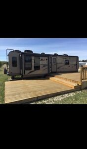 2014 Rockwood 8329SS - Excellent Condition!