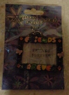 - FRIENDS FOREVER PICTURE FRAME KEY CHAIN **