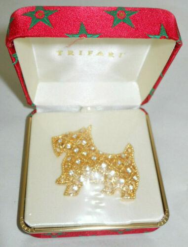 NOS Trifari Scotty Dog Brooch Pin Gold Rhinestones in a Christmas Jewelry Box I1