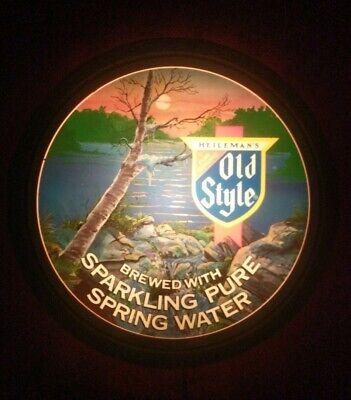 Vintage HEILEMAN'S Old Style Lighted Beer Barrel Sign - Made in U.S.A. Vintage Old Style Beer