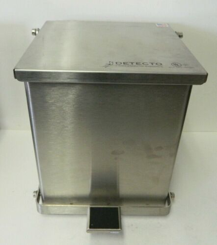 Cardinal Detecto C-16 Step-On Waste Receptacle Stainless Steel 16 Quart Trash