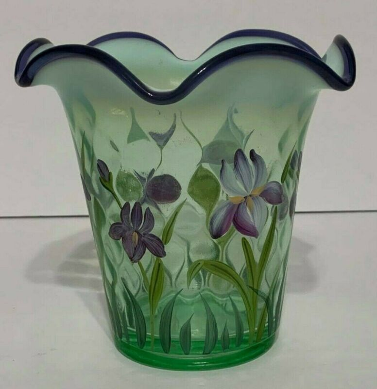 VINTAGE FENTON GREEN FLORAL GLASS VASE