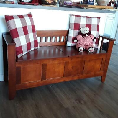 Traditional Storage Bench Entryway Trunk Wood Flip Top Accent Seat Bedroom Foyer