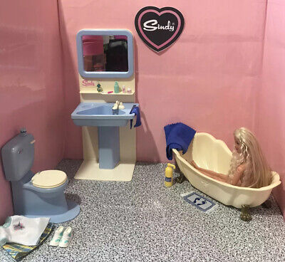 Barbie / Sindy 💦 Playset ~ Blue Bathroom With Dressed Doll & Accessories