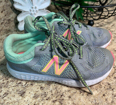 Youth New Balance Girl's Gray & Pink W720v4 Running Shoes Size 12