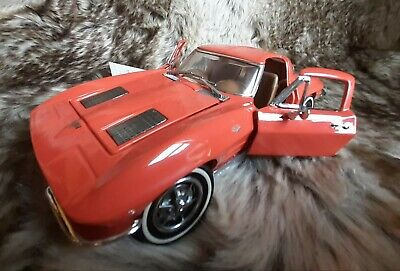 Franklin Mint 1963 Corvette Stingray Diecast Model 1:24 Scale RED