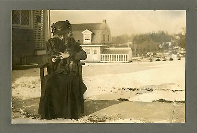 WINTER SCENE WITH A FASHIONABLE WOMAN HOLDING TWO DOGS ORIGINAL ca 1890's PHOTO