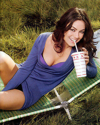 Mila Kunis 8X10 Celebrity Photo Picture Pic Hot Sexy 105