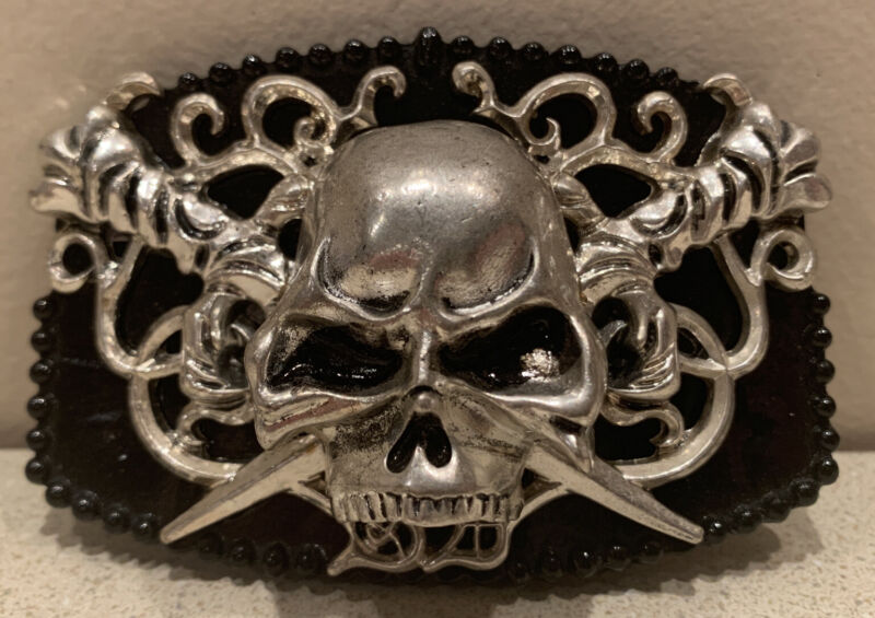 """Skull and Swords Silver and Black Belt Buckle by SILVER DAGGER 3.75"""" x 2.5"""""""
