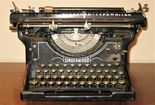 1917 VINTAGE/ANTIQUE UNDERWOOD MODEL #12 TYPEWRITER, with its cover