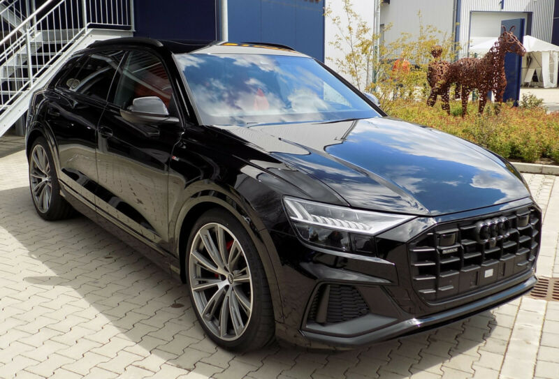 Audi Q8 50 TDI quattro/ S line edition / Head UP/ ACC
