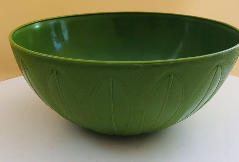 Vintage Deka Plastic Green Lotus Leaf Bowl #604 Mid Century B6