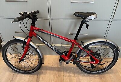 islabike beinn 20 red. Great condition, lightly used by two careful girls