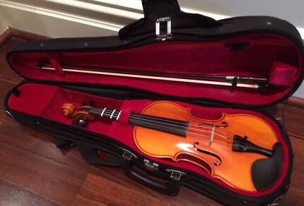 1/2 size Eastman Violin
