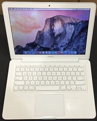 "Apple MacBook 13"" MC516LL/A Intel Core 2 Duo 2.4GHz 2GB RAM 250GB HDD"