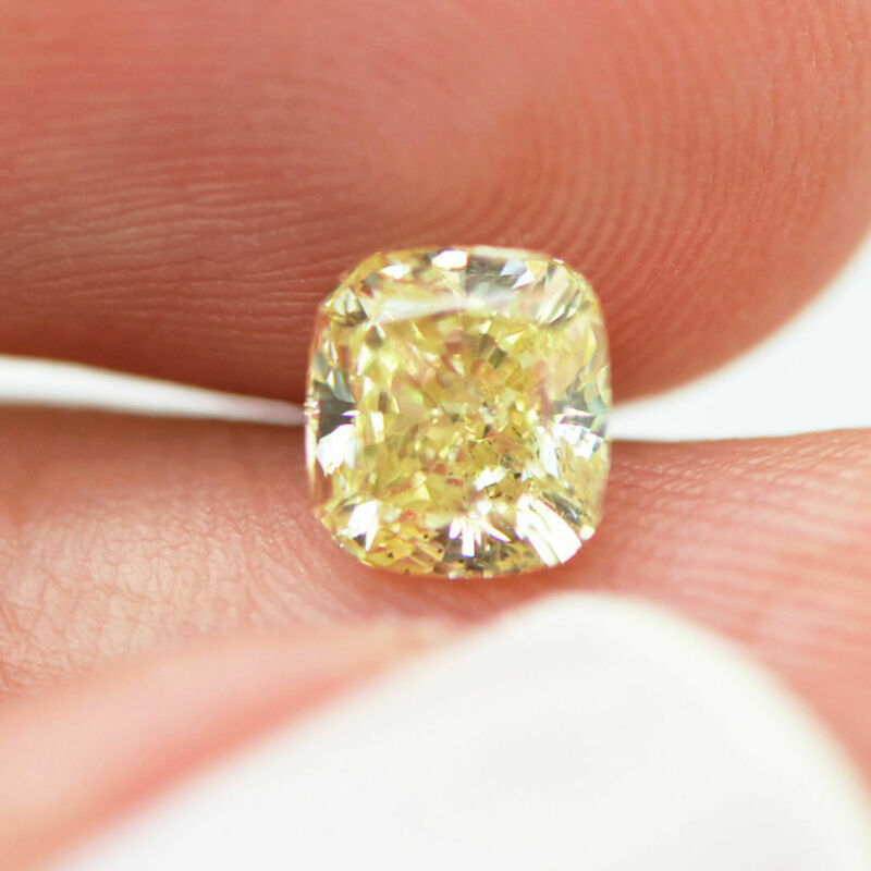 Loose Yellow Diamond Cushion Shaped Natural Real 1.09 Carat Si2 Color Enhanced