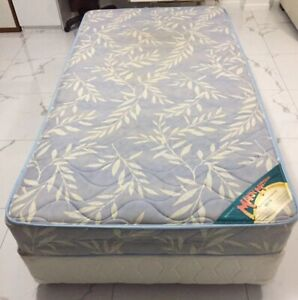 King single ensemble bed on wheels, clean, comfy, $125, free delivery