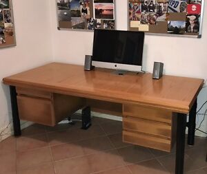 QUALITY EXECUTIVE DESK Wooloowin Brisbane North East Preview
