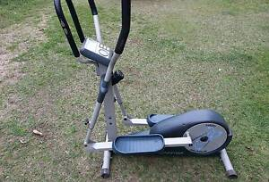 Sportop E820 Elliptical Trainer Cross Trainer Arana Hills Brisbane North West Preview