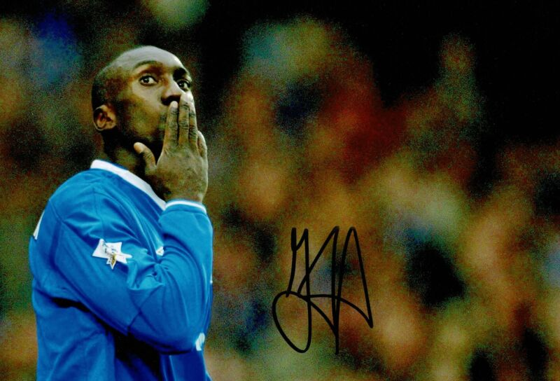 Jimmy Floyd Hasselbaink Signed 12X8 Chelsea F.C. Photo AFTAL COA (9044)
