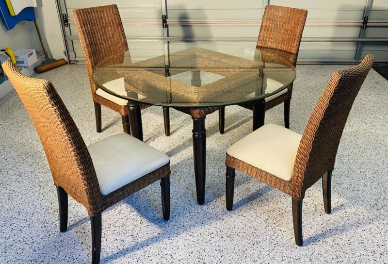 Coco Republic Round Dining Table And Chairs Dining Tables Gumtree Australia Manly Area Freshwater 1260692506