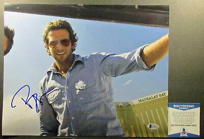 Super Funny    Bradley Cooper Signed The Hangover 11X14 Photo  2 Psa Dna