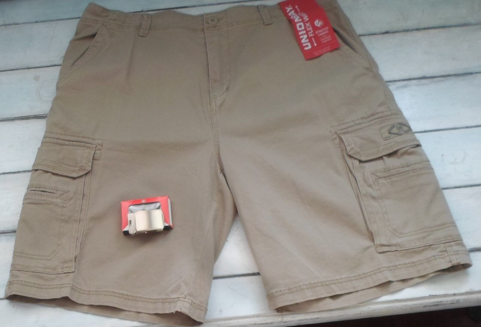 UNIONBAY Men's Wyatt Stretch Cargo Short Size 42 Khaki Tan N