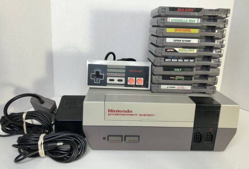 Nintendo NES Console System Bundle 9 games Tested Please Read