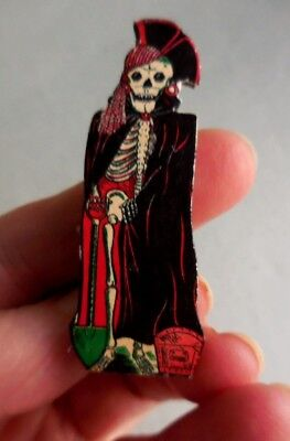 - DOLLHOUSE MINIATURE ~ HALLOWEEN ~ VINTAGE STANDING PIRATE SKELETON BOARD