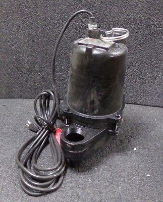 Dayton 410 Hp Automatic Submersible Sewage Pump 70 Gpm Of Water 15 Ft. M