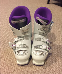 For Sale - Girls Ski Boots