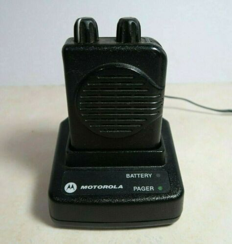 Motorola Minitor V (5) 2-Channel UHF Pager 450-457.9875 MHz with Charger
