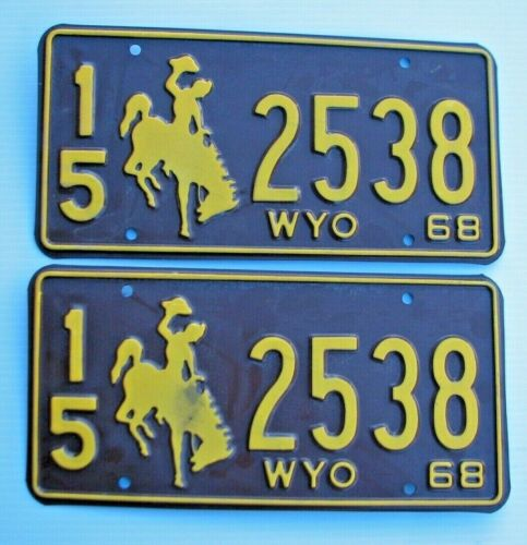 """MINT WYOMING 1968 AUTO PAIR LICENSE PLATE PLATES """" 15  2538 """"  BUCKING BRONCO WY"""
