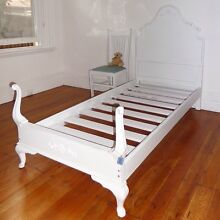 Shabby chic vintage single bed bad frame Cremorne North Sydney Area Preview